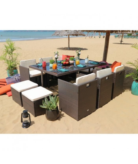 TILOS Ensemble table en résine et verre trempé + 6 fauteuils et 4 poufs - 167 x 110 x 74 cm - Marron